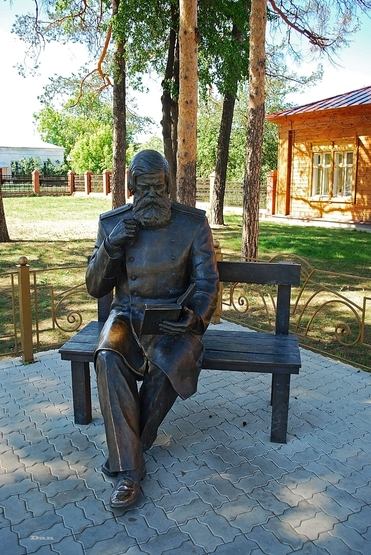 Monument to Bekhterev